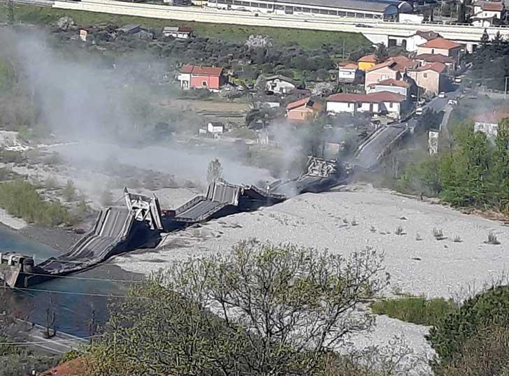 E in Italia continuano a crollare i ponti